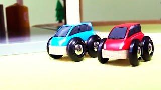 getlinkyoutube.com-Мультик  про машинки:  Автосервис и парковка в городе Брио: Развивающий мультик с игрушками