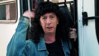 getlinkyoutube.com-Siguiendo a Ojotas Locas - Peter Capusotto y sus videos - Temporada 10