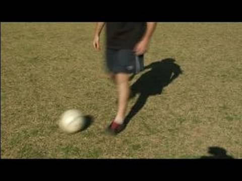 Soccer Dribbling Moves : Two Touch Soccer Spin Move