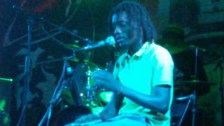 Nayanbigui d'ouverture de GABTY lors de son spectacle au Club Radio Libre