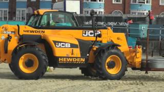 getlinkyoutube.com-Kids love diggers and tractors
