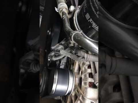 Где шкив коленвала в Audi А4 Авант