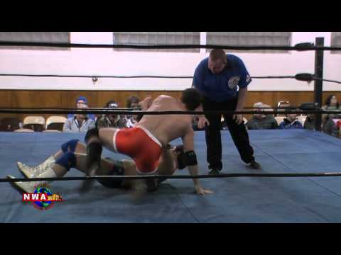 Chase Owens vs. Elliot Russell