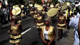 getlinkyoutube.com-2013 Calabar Carnival  - Donald Duke and wife with Dancers