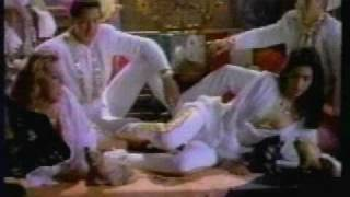 getlinkyoutube.com-Garibaldi Dame un Beso (Videoclip)