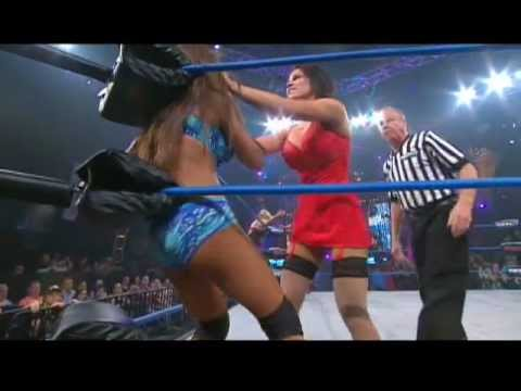 Knockouts : Thanksgiving Thong Thunder Lingerie Match