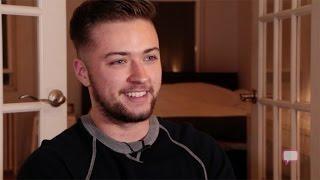 getlinkyoutube.com-Transgender Man's Visit To Barbershop Marks New Chapter In Life.