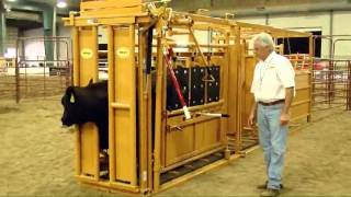 getlinkyoutube.com-Sioux Steel Squeeze Chute | LivestockShed