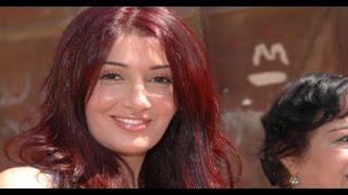 شاهد حفيدة الفنانة غادة عبد الرازق وهى تضع المكياج على وجهها