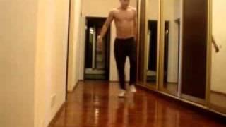 getlinkyoutube.com-Парень танцует