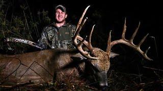 getlinkyoutube.com-Bowhunting Deer: The Legend 6x6
