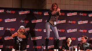 getlinkyoutube.com-Kari Byron Table Dances at Comic Con | Punkin Chunkin