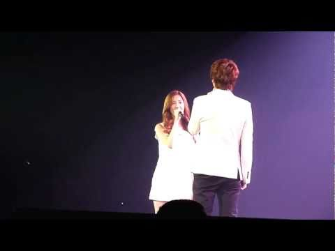 {fancam} Seohyun &amp; Kyuhyun - Way Back Into Love (SM TOWN PARIS, JUNE 10TH 2011)