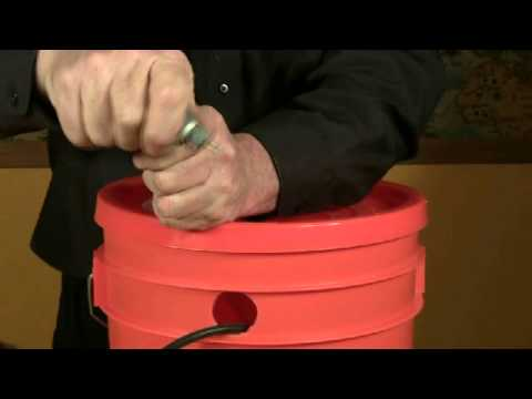 Build a Hydroponic Drip Irrigation Bucket System