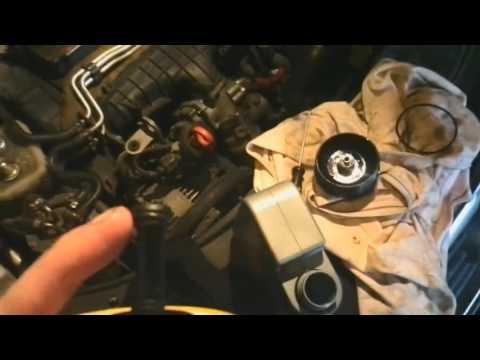 Очерендая замена воздушного фильтра и масла в двигателе фольксваген пассат B6 2,0 BMR 170l