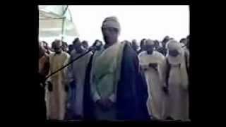 getlinkyoutube.com-القذافي يقرأ القرآن ويصلي بمليون مسلم في نيجيريا