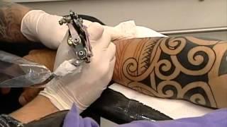 getlinkyoutube.com-SBT Repórter - Acompanhe a dor da fazer primeira tatuagem