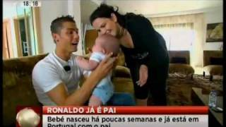 getlinkyoutube.com-Cristiano Ronaldo ya es papá, Iá é pai, Is a Dad