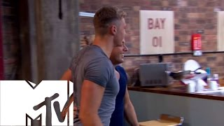 getlinkyoutube.com-Welcome Home. Not! - Geordie Shore, Season 4 | MTV