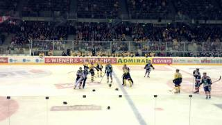 getlinkyoutube.com-Vienna Capitals Benoit Gratton vs. Guillaume Lefebvre FIGHT