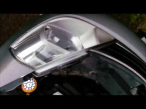 Замена лампы в габаритах у Nissan Tiida
