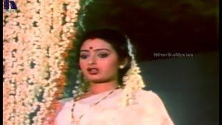 Bazaar Rowdy Telugu Movie Scenes - Ramesh Babu, Seetha Love Scene
