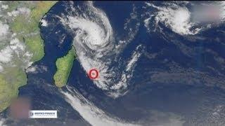 Cyclone : alerte rouge à la Réunion