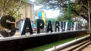 getlinkyoutube.com-Senangnya anak-anak bermain sepatu roda di Saparua Park Bandung... Gratis lagi