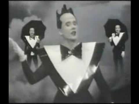 Lightning Strikes de Klaus Nomi Letra y Video