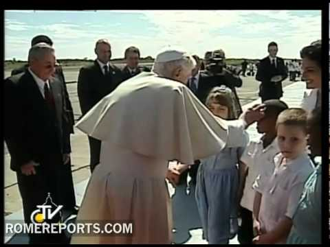 Benedict XVI arrives in Cuba