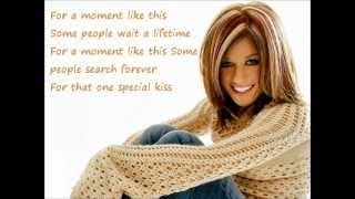 getlinkyoutube.com-Kelly Clarkson A moment like this with LYRICS