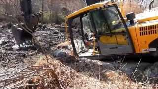 getlinkyoutube.com-I Got The Excavator Stuck