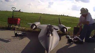 getlinkyoutube.com-FAST 1/8 Scale SR-71 Blackbird - Turbine Powered!