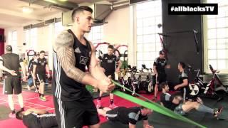 getlinkyoutube.com-All Blacks hit the gym in Cardiff