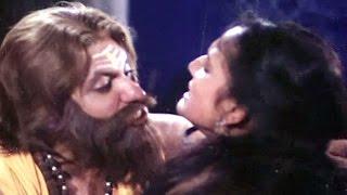 getlinkyoutube.com-Snake Saves Sneha's Life From Jayendra Mehta, Ladi Lakhni Saybo Sava Lakhno - Gujarati Scene 20/24