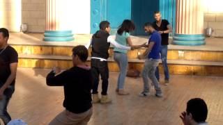 getlinkyoutube.com-بنت ترقص شعبى فى دريم بارك