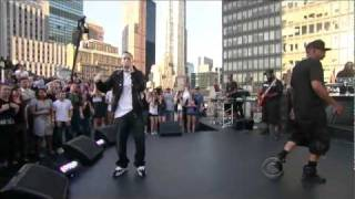 getlinkyoutube.com-Eminem ft. Jay Z - Renegade (Live on Letterman) [HD 1080p]