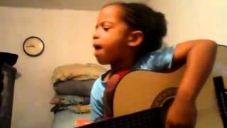 Melody chante la chanson de Alain Ramanisum & Laura Beg elle a que 5 ans