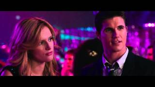 getlinkyoutube.com-The DUFF Homecoming Scene HD