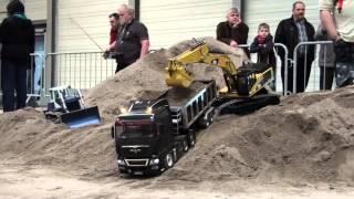 getlinkyoutube.com-Erlebniswelt Modellbau Erfurt 2014 Modelltruck - Parcours