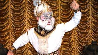 getlinkyoutube.com-TATA RIAS Tari Jawa HANUMAN - Face Make Up for Monkey Character [HD]