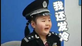 getlinkyoutube.com-Cute Little Chinese Girl Scared To Death On TV Show