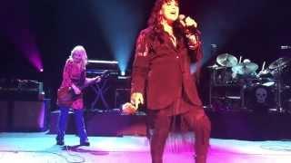 getlinkyoutube.com-Heart - Crazy On You and Barracuda Live 2015