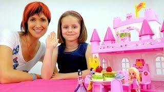 getlinkyoutube.com-Игры для девочек: ГОТОВИМ ЕДУ. Миньоны, принцессы и фруктовые шпажки. Видео для детей