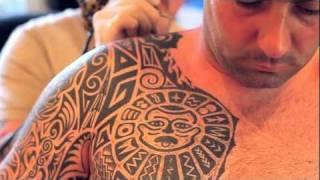 getlinkyoutube.com-Max's Tattoo Studio -  Tribal Tattoo with Polynesian style elements