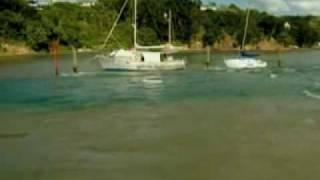 Mar Retrocede Antes da Chegada do Tsunami  em Nova Zelândia.avi