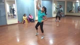 getlinkyoutube.com-Mai nagin Dance nachna!! Awesome video :)