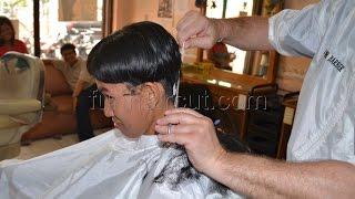 getlinkyoutube.com-Girl´s boyish barbershop haircut