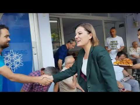 Başkanın Videoları - HÜRRİYET'TEN DURAKLARDA BEKLEYENLERE ÇAY POĞAÇA