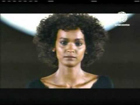 Flor del desierto   Explica su vida Ablación genital femenina 15 +++++